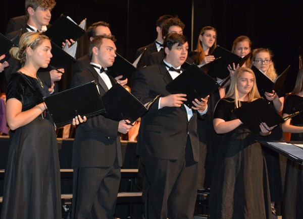 The Chamber Choir entertained with two songs.