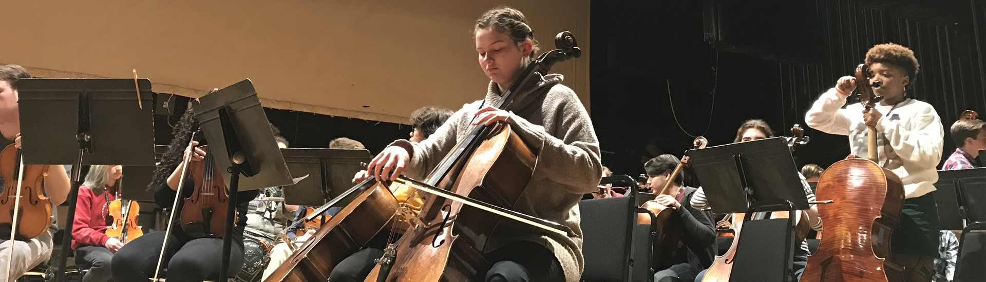 Grace Gill playing cello