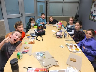 Mrs. Powers held her monthly Principal's Lunch Bunch with grades k-5. The students and Mrs. Powers decorated cookies!