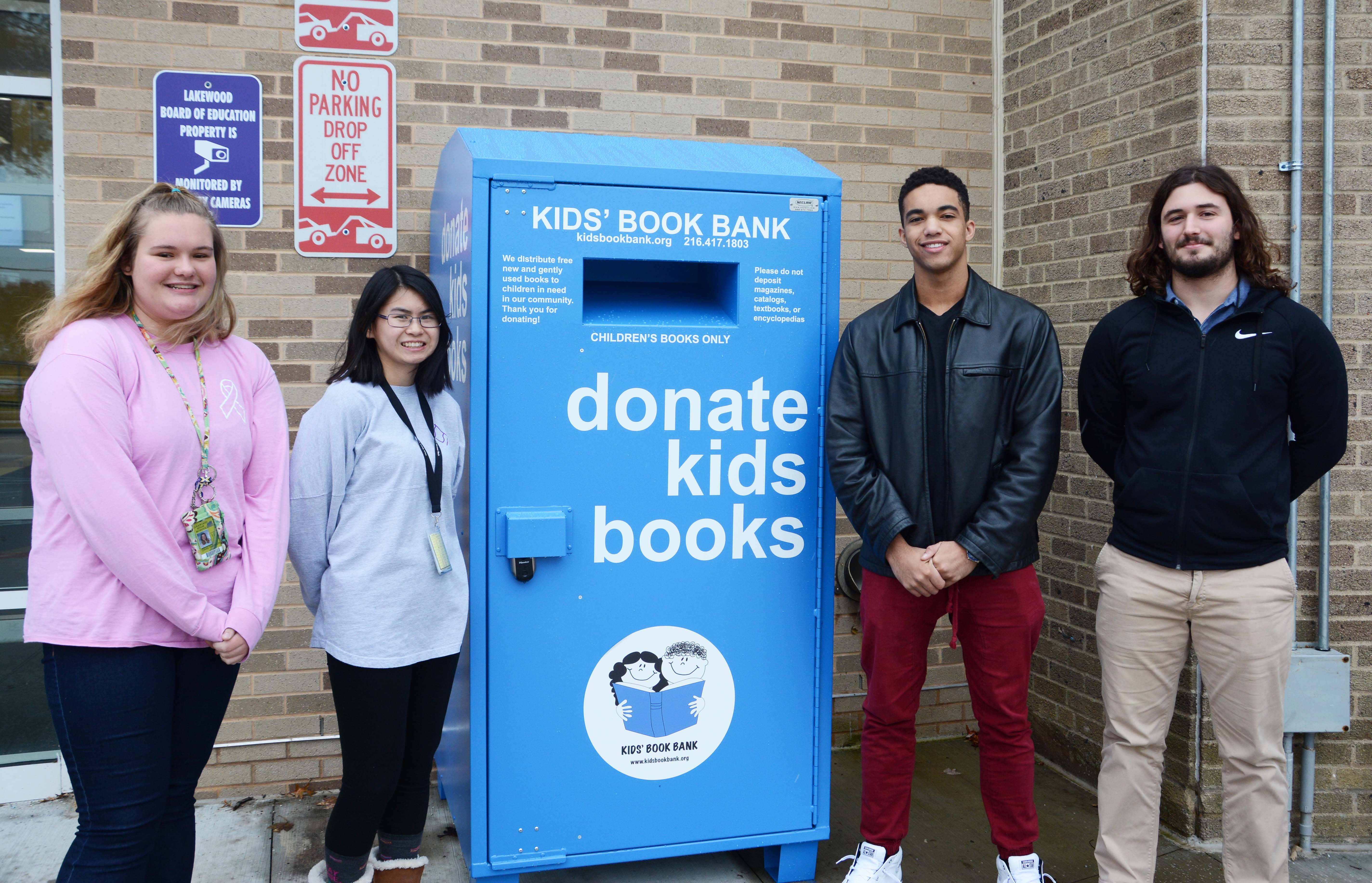 Book bin with students